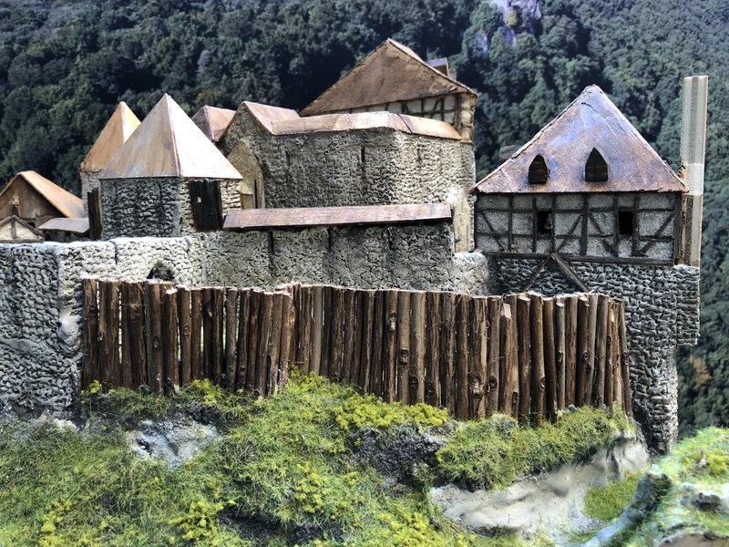 Burg Obergreifenstein - ca. 1:100 - Seite 5 41873499aq