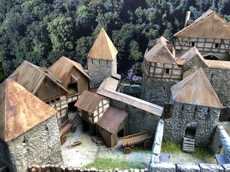 Burg Obergreifenstein - ca. 1:100 - Seite 5 41873502gd