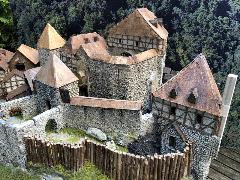 Burg Obergreifenstein - ca. 1:100 - Seite 5 41873504lb