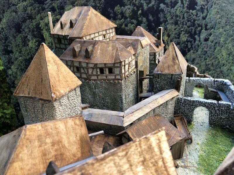 Burg Obergreifenstein - ca. 1:100 - Seite 5 41873505yw