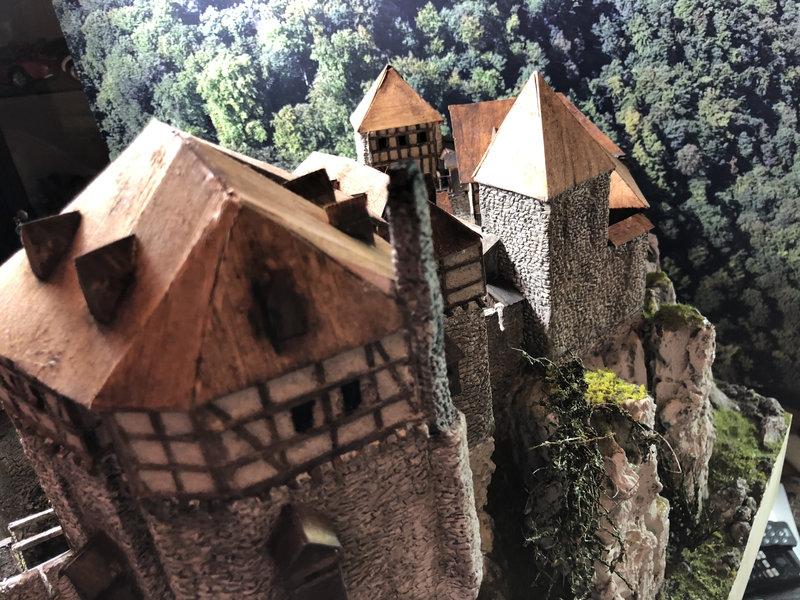 Burg Obergreifenstein - ca. 1:100 - Seite 5 41892952ep