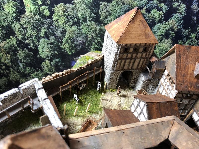 Burg Obergreifenstein - ca. 1:100 - Seite 5 41892953cp
