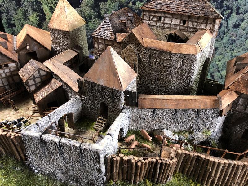 Burg Obergreifenstein - ca. 1:100 - Seite 5 41927060lq