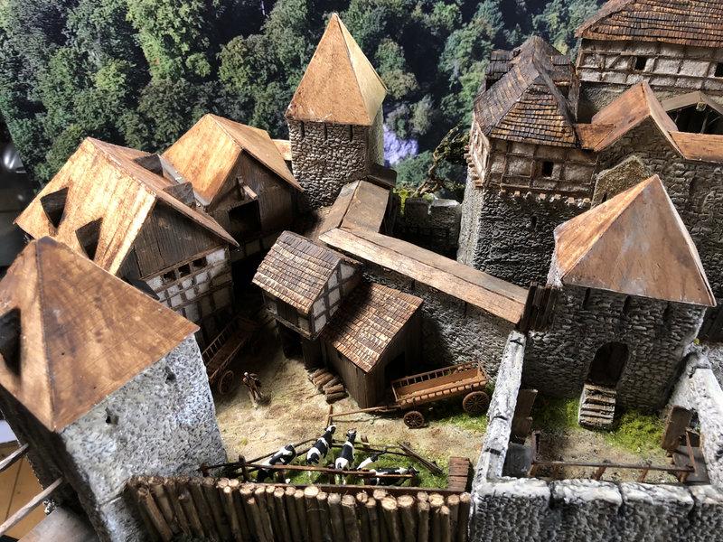 Burg Obergreifenstein - ca. 1:100 - Seite 5 41927062pv