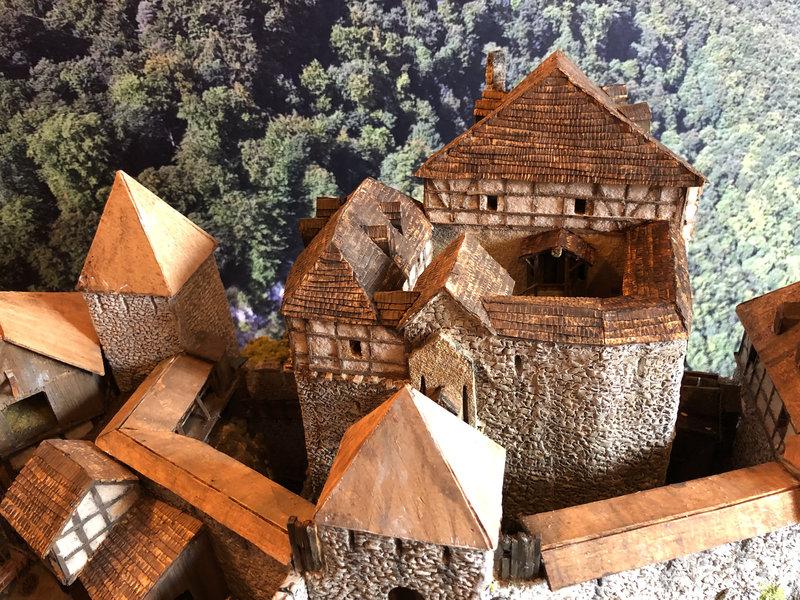 Burg Obergreifenstein - ca. 1:100 - Seite 5 41946587pm
