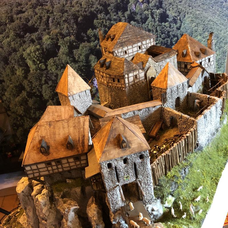 Burg Obergreifenstein - ca. 1:100 - Seite 5 41946605lm