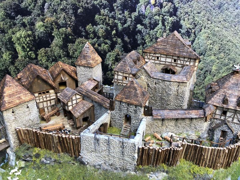 Burg Obergreifenstein - ca. 1:100 - Seite 6 41966233gq