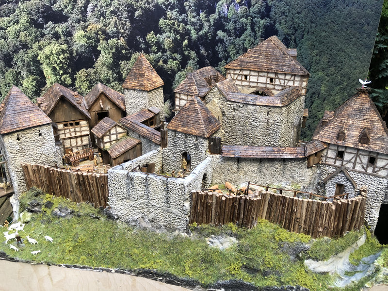 Burg Obergreifenstein - ca. 1:100 - Seite 6 41979266xh