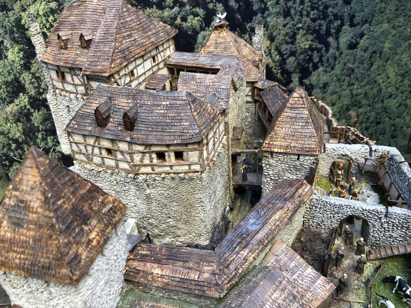 Burg Obergreifenstein - ca. 1:100 - Seite 6 41979273wj
