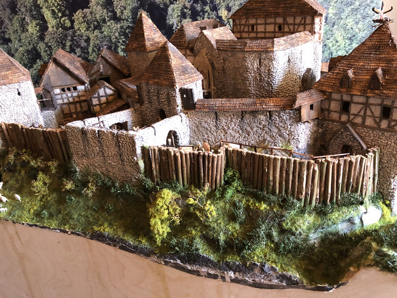 Burg Obergreifenstein - ca. 1:100 - Seite 6 41992359zx