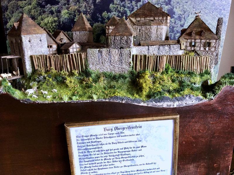 Burg Obergreifenstein - ca. 1:100 - Seite 7 42027025nr