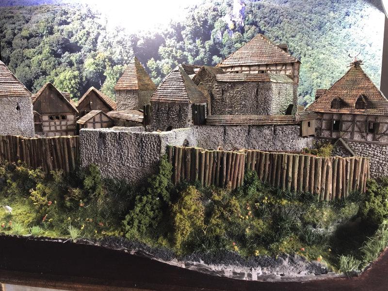 Burg Obergreifenstein - ca. 1:100 - Seite 8 42055182fv