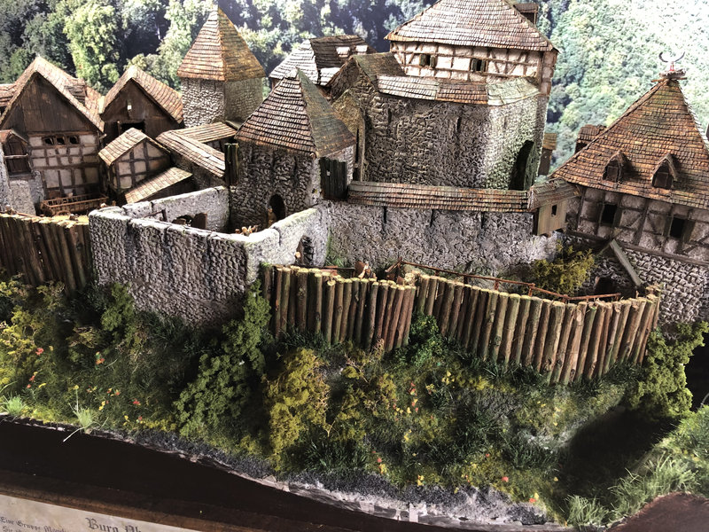 Burg Obergreifenstein - ca. 1:100 - Seite 8 42055183hr