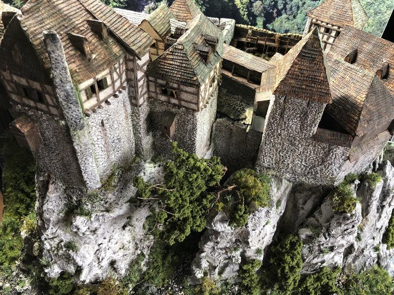 Burg Obergreifenstein - ca. 1:100 - Seite 8 42055189nt