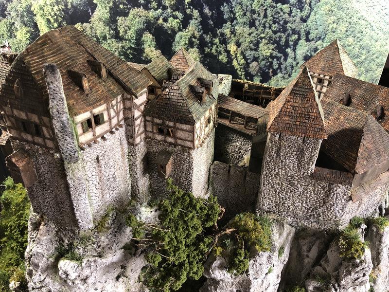 Burg Obergreifenstein - ca. 1:100 - Seite 8 42055190kd