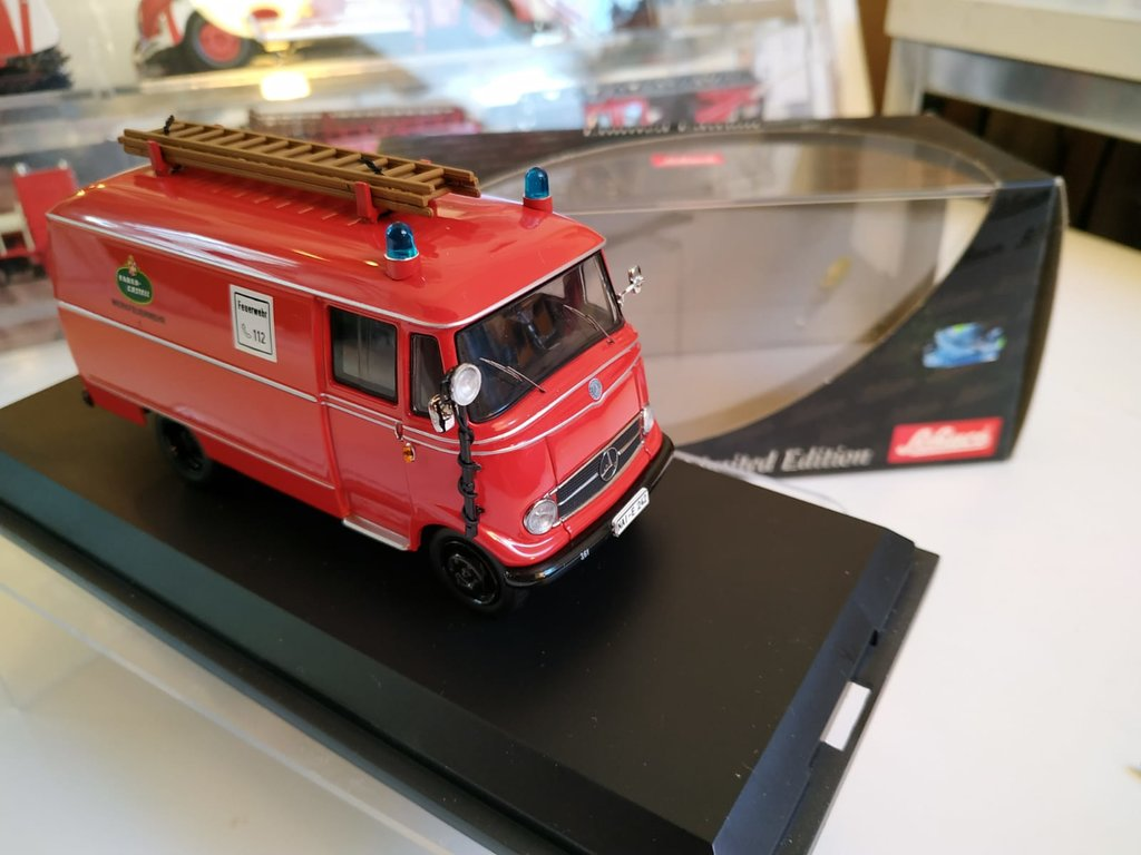 Feuerwehr Modelle der Firmen Schuco und Minichamps 42248593ul