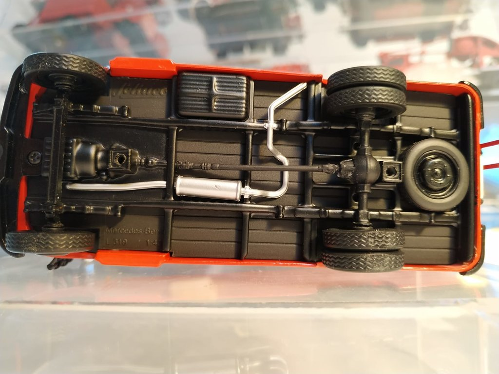 Feuerwehr Modelle der Firmen Schuco und Minichamps 42248756wa